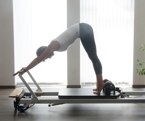 d couvrez les bienfaits du pilates pour votre corps et votre esprit par le centre pilates time. Black Bedroom Furniture Sets. Home Design Ideas